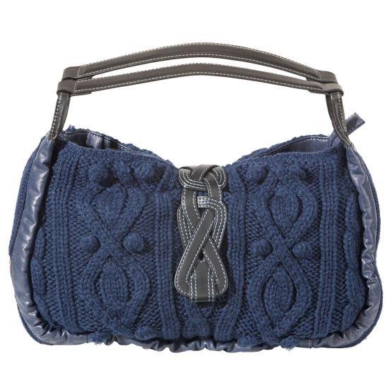 Большой подробный обзор о том, как связать сумку крючком или спицами.