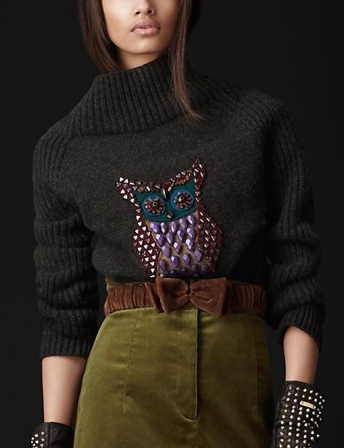 появился свитер с совой,