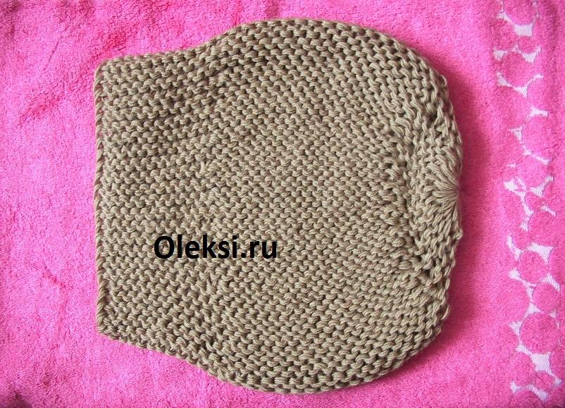шапка берет связанная спицами платочной вязкой