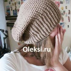 шапка берет связанная спицами