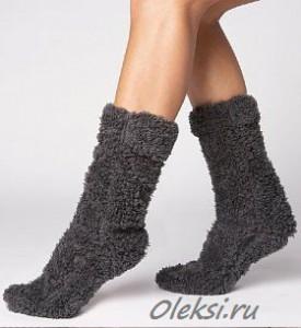 серые носки из плюшевой пряжи