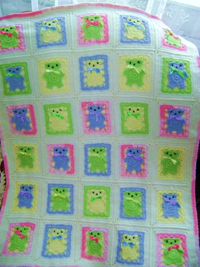 вязаное детское одеяло с мишками