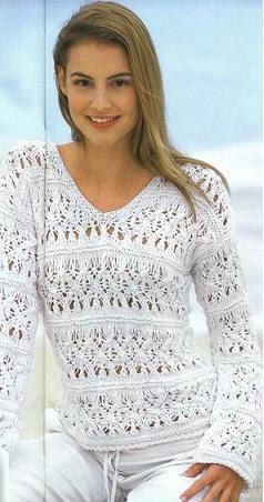 белый вязаный ажурный летний свитер спицами