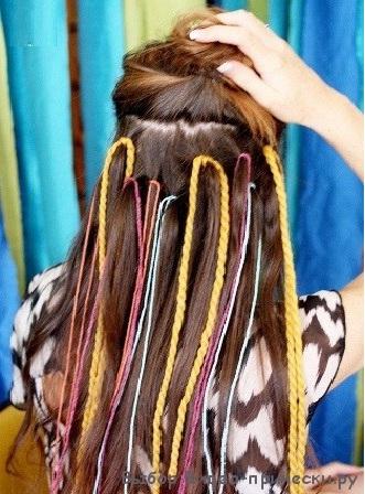 Как в волосы вплести косу