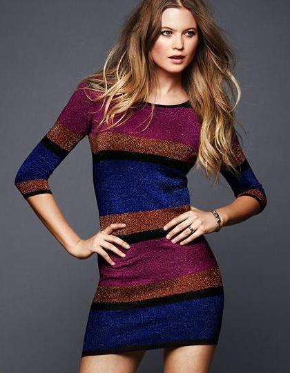 зимнее вязаное платье спицами.