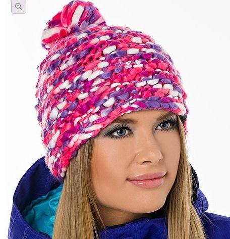 шапка связанная платочной вязкой из меланжевой пряжи