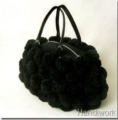 сумочка из помпонов
